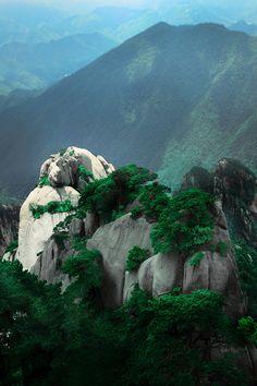 Nashan, China (lixiaohai, via c1tylight5)