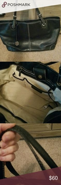Authentic Michael Kors purse Good used condition.  Beautiful all black leather purse.  Straps are really the only sign of wear.  Lots of space.  Still a nice looking purse. Michael kors  Bags Shoulder Bags