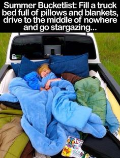 Insanely Easy Ways To Make Your Road Trip Awesome This would be such a fun date, I would love going somewhere on a warm summer night and stargazing.This would be such a fun date, I would love going somewhere on a warm summer night and stargazing. Kombi Trailer, Fun Sleepover Ideas, Sleepover Activities, Best Friend Bucket List, Stuff To Do, Things To Do, Summer Things, Simple Things, Cute Date Ideas