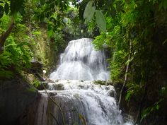 other scene of Aguinid Falls