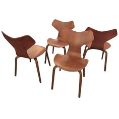Arne Jacobsen 4130 Stacking Ant Chairs with Wood Legs by Fritz Hansen