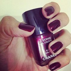 Love Chanel nails