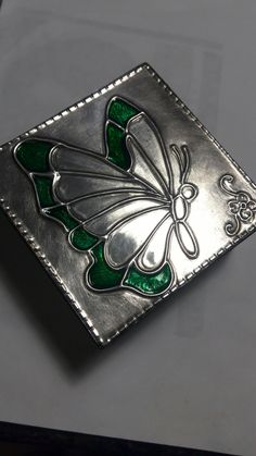 Caja repujada en aluminio marisol larecca