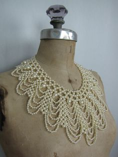 Ivory White Vintage 1960s Beaded Collar Necklace by OsoVictoria
