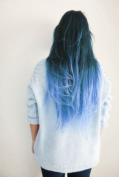 Dye your hair simple & easy to ombre blue hair color - temporarily use ombre blue hair dye to achieve brilliant results! DIY your hair blue ombre with hair chalk Color Fantasia, Coloured Hair, Dye My Hair, Blue Dip Dye Hair, Tip Dyed Hair, Dyed Hair Ends, Ombre Hair Dye, Ombre Hair Rainbow, Brown Hair Ombre Blue