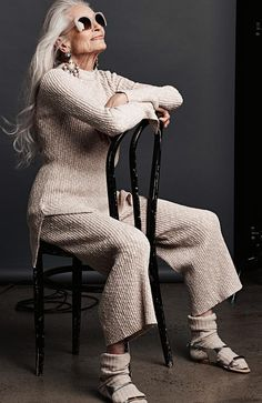 """"""" calls photographer Gary Heery to model Daphne Selfe. Fashion Weeks, Fashion Over 50, High Fashion, Older Women Fashion, Over 50 Womens Fashion, Daphne Selfe, 50 Y Fabuloso, Socks Outfit, Photo Lovers"""