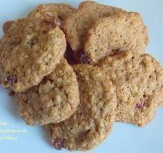 Τα πιο υγιεινά και εύκολα μπισκότα βρώμης - cretangastronomy.gr Cake Mix Cookie Recipes, Cake Mix Cookies, Biscuit Cookies, Dessert Recipes, Cupcakes, Greek Cookies, Almond Cookies, Oats Recipes, Sweet Recipes
