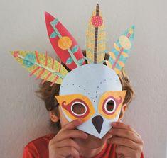 Máscara tribal: feita de papel com recortes em formato de pena - foto: Beard & Cord