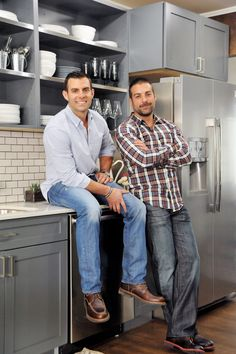 Go behind the scenes of the surprise renovations seen on HGTV's Cousins Undercover with remodeling experts and stars Anthony Carrino and John Colaneri. Anthony Carrino, Kitchen Cousins, Hgtv Shows, Hgtv Star, Hgtv Designers, New Kitchen Designs, Kitchen Ideas, Current Tv, Stainless Kitchen