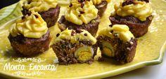Cupcake salgado de carne moída, assado e recheados de ovo ou queijo derretido, decorado com purê cremosos de mandioquinha e flocos crocantes de bacon