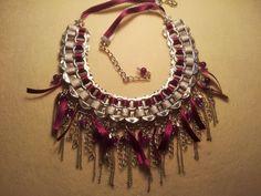 Floresyabejas : La artesania de Maria: Bisuteria con anillas de refresco  ~ this is a necklace made from pop can tabs!