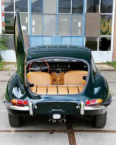 Throughout the early stages of the Jaguar XK-E, the lorry was supposedly planned to be marketed as a grand tourer. Changes were made and now, the Jaguar … Vintage Sports Cars, British Sports Cars, Retro Cars, Vintage Cars, Bmw Classic Cars, Classic Sports Cars, Porsche, Lamborghini Miura, Jaguar E Type