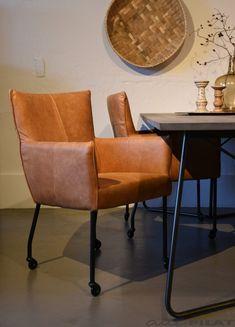 Eetkamerstoel Stef in cognac leer en op wielen - Woonwinkel Alle Pilat Home And Garden, Lounge, Table, Furniture, Image Title, Muesli, Design, Home Decor, Industrial