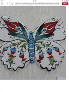 Çini kelebek Turkish Design, Turkish Art, Turkish Tiles, Ceramic Wall Art, Ceramic Painting, Decoupage, Motif Design, China Painting, Mexican Art