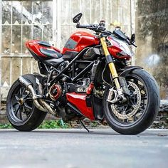 This Ducati Streetfighter 1098 was built to be ridden hard. Just look at those chicken strips...or rather, the lack of them.