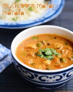 Spicy, tangy mushroom matar masala recipe that goes well along roti, other flat breads and indian rice varieties. With step by step pictures! Mushroom Recipes Indian, North Indian Recipes, South Indian Food, Indian Food Recipes, Ethnic Recipes, Indian Foods, Indian Dishes, Vegetable Recipes, Vegetarian Recipes