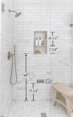 Bad Inspiration, Bathroom Inspiration, Bathroom Renos, Bathroom Niche, Bathroom Layout, Basement Bathroom Ideas, Bathroom Tile Showers, Tile Shower Niche, White Tile Shower
