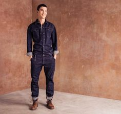 Look 1 Close up Mode Masculine, Gents Fashion, Fashion Pants, Work Coveralls, Farm Clothes, Mode Jeans, Dapper Dan, Boiler Suit, Mens Trends