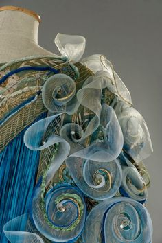 fripperiesandfobs:  Costume designed by Gabriella Pescucci for Michelle Pfeiffer inA Midsummer Night's Dream(1999) From Tirelli Costumi