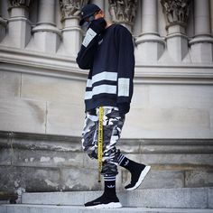 "923 curtidas, 20 comentários - Owen T. Bartolome (@oh_weezy) no Instagram: ""'s and . . . . Cap: OVO Crew: Hood BY Air Belt: Off White Pant: Rothco Sneakers: Balenciaga…"""