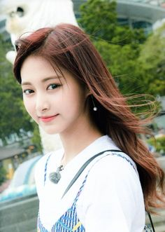 ImageFind images and videos about twice, chaeyoung and momo on We Heart It - the app to get lost in what you love. Nayeon, Asian Cute, Pretty Asian, Kpop Girl Groups, Kpop Girls, Tzuyu Body, Korean Girl, Asian Girl, Twice Tzuyu