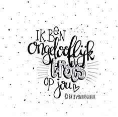 Geslaagd??🎓🇳🇱🎊🥂 . . . . . #hoera #geslaagd #eindexamen #trots #trotsopjou #proudofyou #kaartje #brievenbusgeluk #echtepostiszoveelleuker… Lyric Quotes, Words Quotes, Qoutes, Sayings, Positive Vibes Only, Positive Quotes, Brush Pen Art, Bullet Journal Quotes, Dutch Quotes