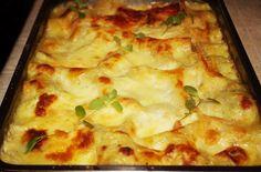 Lasagna cu ciuperci și sos alb (după 1 an) Lasagna, Pizza, Recipes, Food, Meals, Yemek, Recipies, Recipe, Lasagne