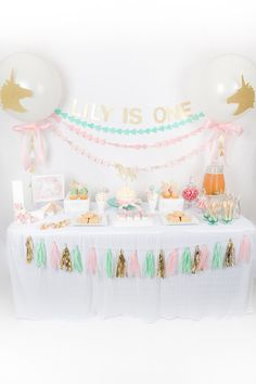 Pastel unicorn first birthday | First birthday party | 100 Layer Cakelet