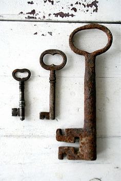 I love rusty old keys...