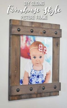 mothers day gift ideas Change out your photo prints super easy with a sliding farmhouse style frame. Rustic Picture Frames, Picture On Wood, Diy Picture Frame, Wood Photo, Rustic Frames, Rustic Wood, Wood Projects For Beginners, Diy Wood Projects, Cool Diy