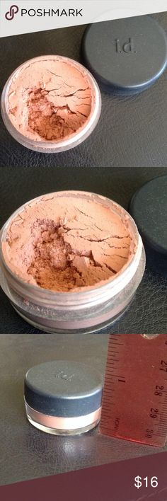 BareMinerals eye and cheek Eye and cheek powder by bareMinerals. Color is called soft focus romance. 0.02 ounces. Beautiful pink/blush color. Opened, but never been used! bareMinerals Makeup Eyeshadow