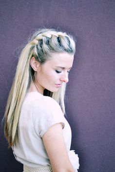 This braid is so easy to style – and it looks great for any occasion.