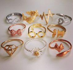 Diamond JewelryYou are going to buy this? Diamond Jewelry Giraux Fine Jewelry 35 Pieces Of Gorgeous Jewelery Diamond Necklace Designs Harry Potter Schmuck, Bijoux Harry Potter, Cute Jewelry, Jewelry Accessories, Fashion Accessories, Fashion Jewelry, Fashion Rings, Gold Jewelry, Hunting Accessories