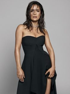 A fan site resource for beautiful actress Salma Hayek Pinault. Little Black Dress Outfit, Black Dress Outfits, Salma Hayek Body, Salma Hayek Pictures, Actrices Sexy, Mode Chic, Hot Brunette, Nicole Kidman, Choice Awards