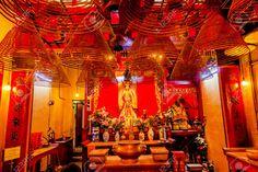 Man Mo Temple or Man Mo Miu is a Cantonese transliteration of Wen Wu temple, a temple for the worship of the civil or literature god Man Tai / Man Cheong and the martial god Mo Tai / Kwan Tai. https://twitter.com/heenasingla528/status/669468536146890752