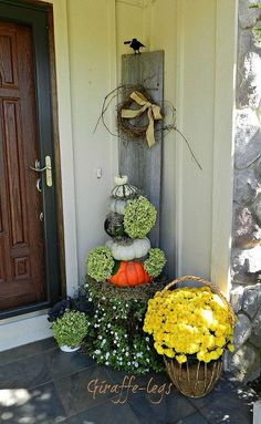gourd topiary on the front porch, curb appeal, flowers, gardening, hydrangea, seasonal holiday decor