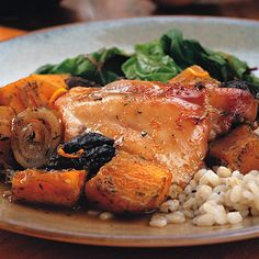 Recipe of the Day: Here's a Passover-friendly dinner idea you can bring to your family's Seder (Even if you don't celebrate the holiday, you'll want to give this yummy dish a try!). This easy Winter Squash and Chicken Tzimmes has a super flavorful mix of seasonings and the entire meal can be baked in one dish so you can simply pop it in the oven and continue the holiday celebrating while it cooks! #passover #healthyrecipes #passoverrecipes #dinnerrecipe #sedar