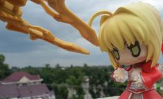 Poor Saber chan.She is being attacked by ferocious Spider  She looks confused '-' #nendoroid#toyphotography #fateextra#kawaii#saber by w_wilbert http://ift.tt/1L2ZBYi