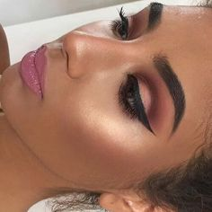 Makeup  Add Pinterest@ AyleenGue