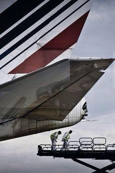 Air France B747-400.. Must be getting ready for departure.