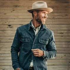 Rustic Mens Fashion, Old Man Fashion, Rugged Men's Fashion, Fashion Beauty, Casual Work Outfits, Outfits With Hats, Mens Summer Hats, Mens Dress Hats, Gq Mens Style