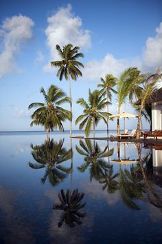 Zanzibar. Zanzibar is a Tanzanian archipelago off the coast of East Africa. On its main island, Unguja, familiarly called Zanzibar, is Stone Town, a historic trade center with Swahili and Islamic influences. The northern villages Nungwi and Kendwa have wide beaches lined with hotels. (V)