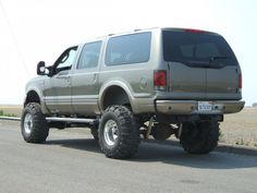 2005 Lifted Diesel Excursion - Pirate4x4.Com : 4x4 and Off-Road Forum