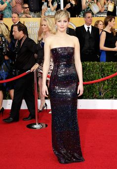 Cele|bitchy | Jennifer Lawrence in Dior at the SAGs: lovely or multicolored disco ball?