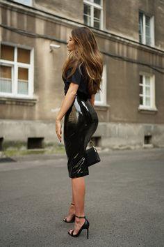 Moye  t-shirt, SI-MI  latex skirt, Zofia Chylak  bag, Saint Laurent  heels