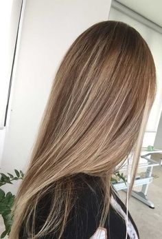 Here's Every Last Bit of Balayage Blonde Hair Color Inspiration You Need. - Here's Every Last Bit of Balayage Blonde Hair Color Inspiration You Need. balayage is a freehand - Brown Hair With Blonde Highlights, Balayage Hair Brunette Straight, Light Brown Highlights, Blonde Hair To Light Brown, Sandy Brown Hair, Straight Hair Highlights, Light Brunette Hair, Baby Blonde Hair, Dark Blonde Balayage
