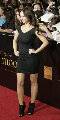 Jennifer Love Hewitt Bikini, Sexy Outfits, Sexy Dresses, Jennifer Amor, Jeniffer Love, Steam Girl, Actrices Hollywood, Great Legs, Glamour