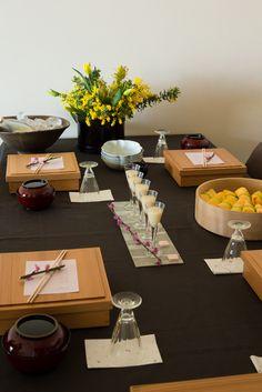春の訪れを感じるうららかな一日、azumi邸 で、桃の節句の女子会にお呼ばれしました。♪黄色のミモザに敢えて黄色いチューリップこだわって設えたウエルカムフ...