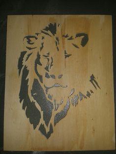 Lion scroll saw