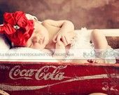 I have to do this for my dad! He is so happy to be a grandpa soon and he collects coca cola stuff. Need to remember!